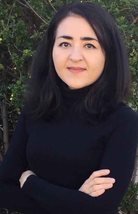Nadjwa Mayer headshot